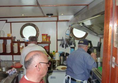 Die Küchencrew bei der Arbeit